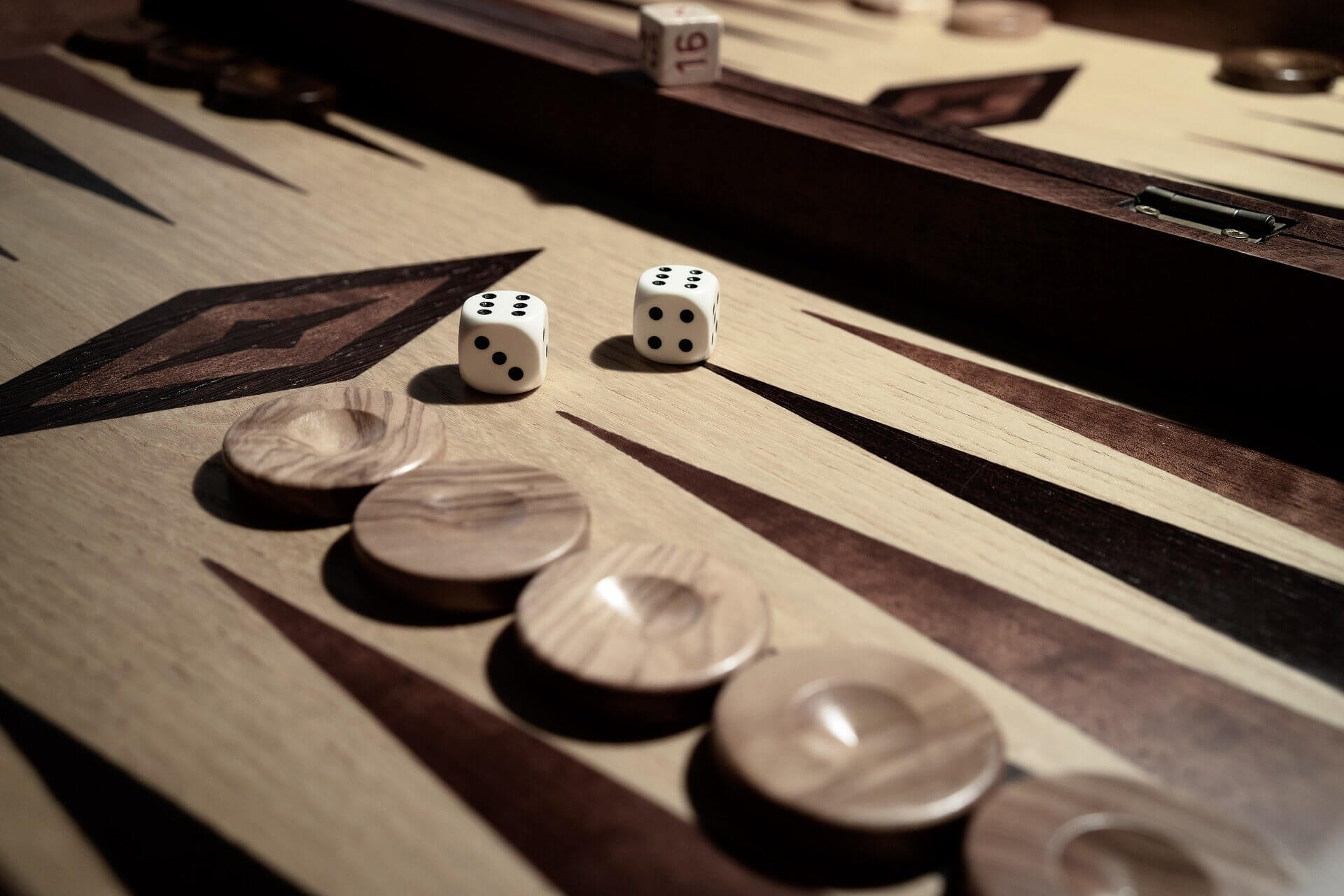 Learn to play the most popular of Greek games.